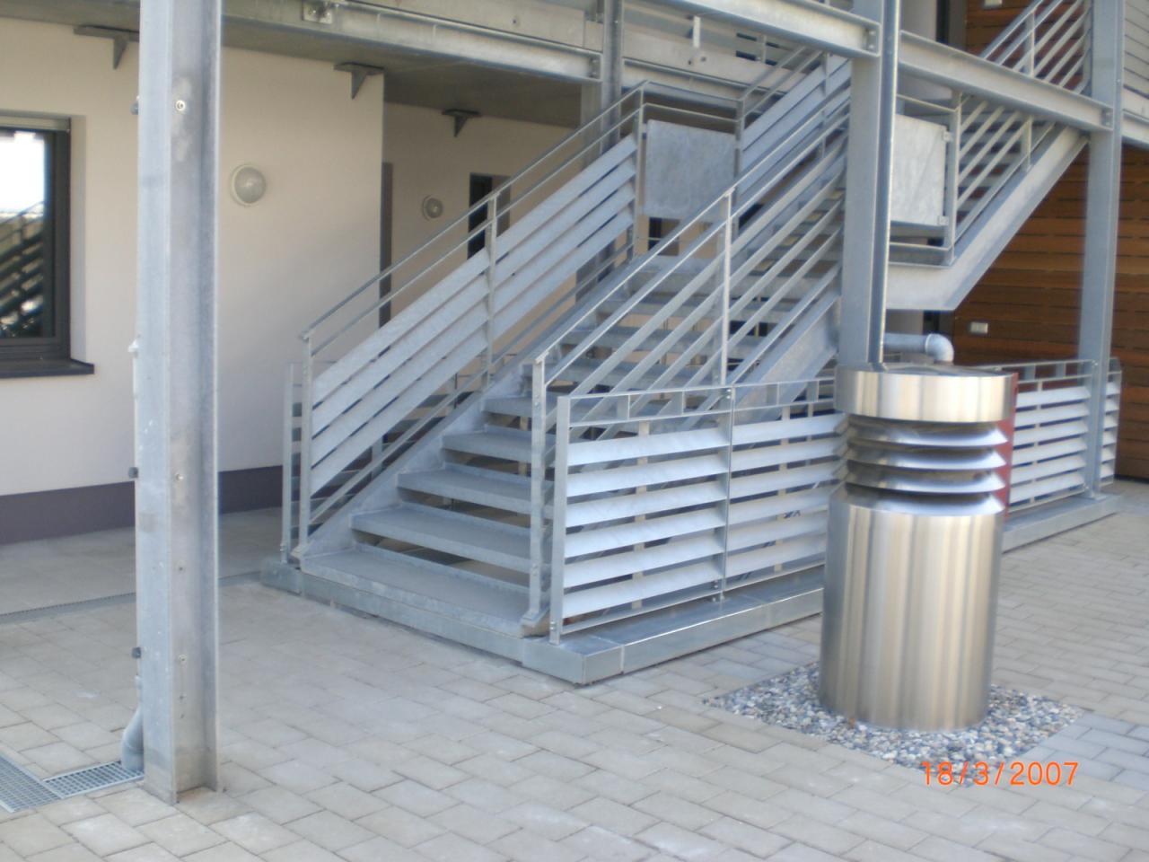 Escalier et garde-corps métallique galvanisé
