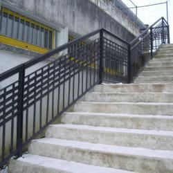 Garde-corps sur escalier bétons
